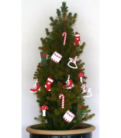Juletræ pyntet med julemotiver